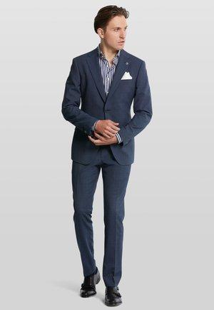 Suit - navy
