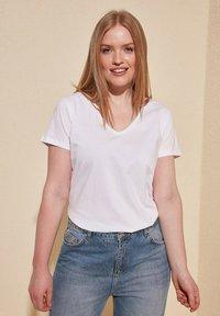 Trendyol - Basic T-shirt - white - 7