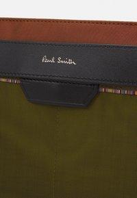 Paul Smith - BAG FLAT XBODY UNISEX - Across body bag - copper - 4
