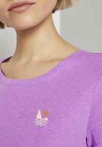 TOM TAILOR DENIM - Print T-shirt - light berry - 4