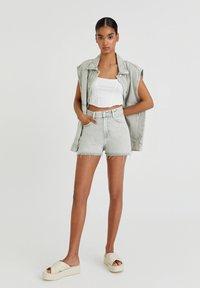 PULL&BEAR - Denim shorts - grey denim - 1