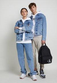 Calvin Klein Jeans - JACKET UNISEX - Spijkerjas - bright blue - 2