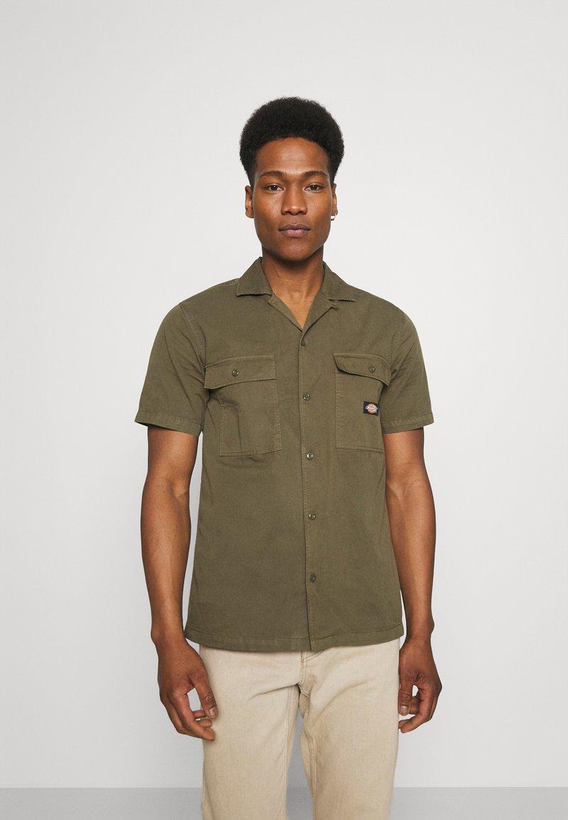 Dickies - PAYNESVILLE - Skjorter - military green