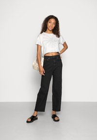 Gina Tricot - COMFY - Straight leg jeans - offblack - 1