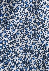 ONLY - ONLSHAKIRA  MIDI DRESS - Vapaa-ajan mekko - cloud dancer/blue ditsy - 5
