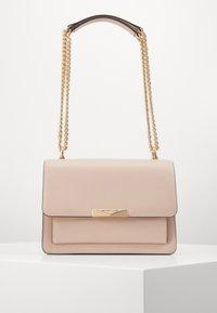 JADELG GUSSET - Across body bag - soft pink