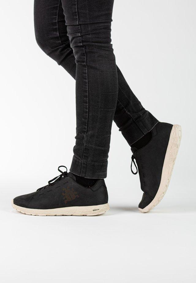 LOE W RB9X - Sneakers laag - black