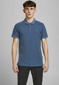 Jack & Jones - JJEWASHED - Polo shirt - navy blazer - 0