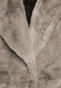 New Look Petite - Zimní bunda - dark grey - 6