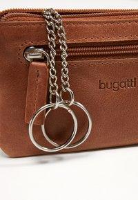 Bugatti - VOLO KEY CASE - Key holder - cognac/cognac - 5