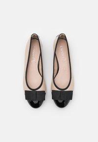 Caprice - COURT SHOE - Classic heels - beige/black - 5