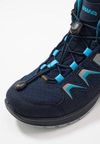 Lowa - INNOX EVO GTX QC JUNIOR UNISEX - Hiking shoes - navy/türkis - 2