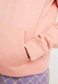 Nike Sportswear - Sweat à capuche - pink quartz/white - 5