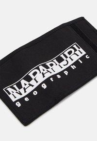 Napapijri - HAPPY WALLET UNISEX - Wallet - black - 3