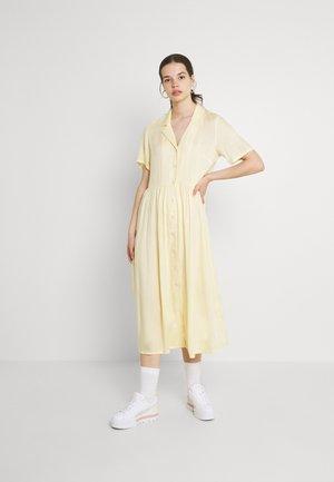 Maxi šaty - yellow dusty light