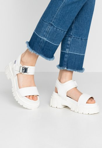 VEGAN JOJO - Platform sandals - white