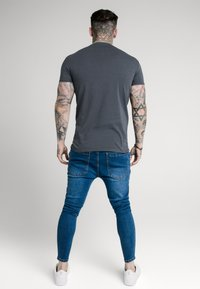 SIKSILK - SHORT SLEEVE GYM - T-shirt basic - navy - 2