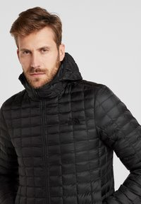 The North Face - THERMOBALL ECO HOODIE - Veste d'hiver - black matte - 3