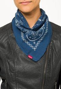 Levi's® - PAISLEY BANDANA - Foulard - navy blue - 1