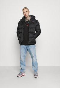 Tommy Jeans - LINEAR LOGO CREW - Sweatshirt - black - 1