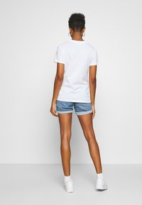 Cotton On - CLASSIC DISNEY - Print T-shirt - off-white - 2