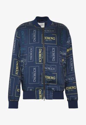 GIUBBOTTO ALLOVER PRINT - Bomber Jacket - fondo blu/giallo grigio