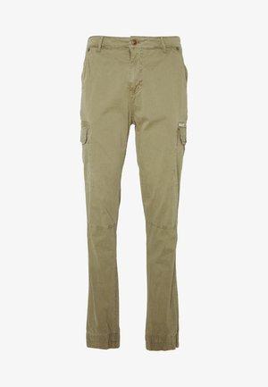 Pantalones cargo - martini olive