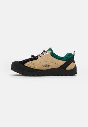 JASPER ROCKS SP - Sneakers laag - taos taupe/evergreen