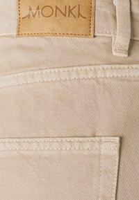 Monki - TALLIE - Jeansshorts - beige dusty light - 2