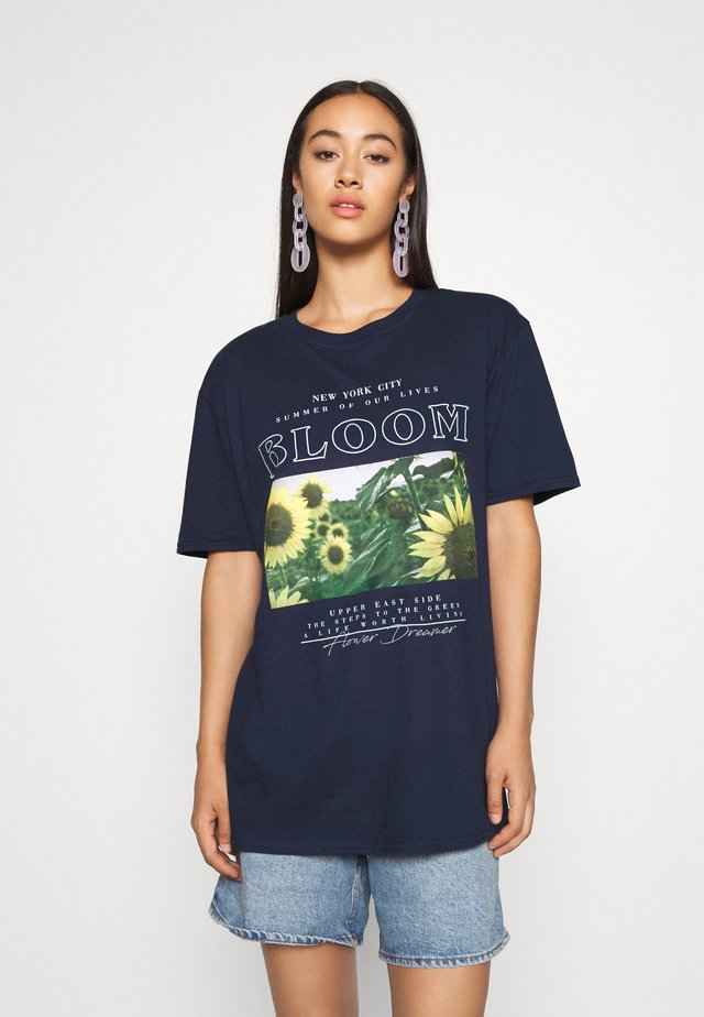 BLOOM SUNFLOWER GRAPHIC OVERSIZED TEE - T-shirts print - navy