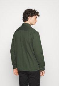 ARKET - Košile - green dark - 2