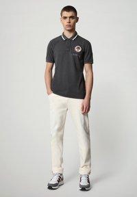 Napapijri - GANDY - Poloshirt - dark grey solid - 1