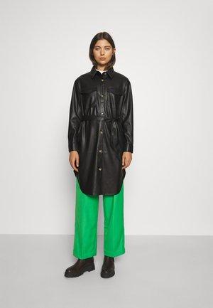 ONLEZRA LONG SHACKET - Klasický kabát - black