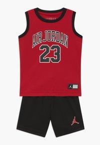 Jordan - MUSCLE SET - Sports shorts - black - 0