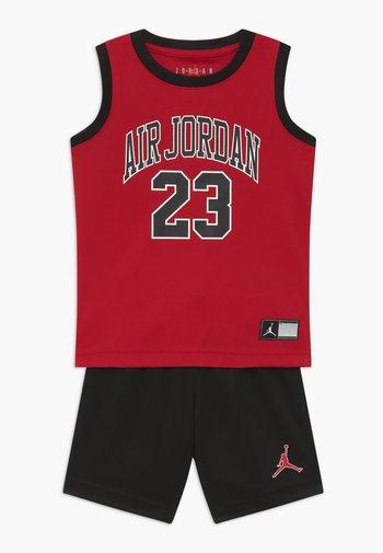 MUSCLE SET - Sports shorts - black
