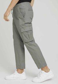 TOM TAILOR DENIM - Cargo trousers - greyish shadow olive - 5