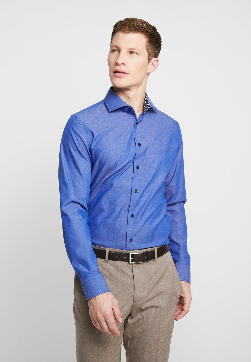 Seidensticker - SLIM FIT SPREAD KENT PATCH - Formální košile - dark blue