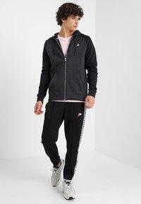 Nike Sportswear - OPTIC HOODIE - Zip-up hoodie - black - 1