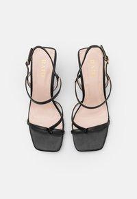 RAID - SAWYER - Sandály s odděleným palcem - black - 5
