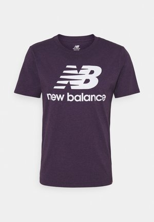 ESSENTIALS STACKED LOGO TEE - T-shirt print - purple