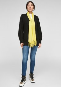 s.Oliver - Scarf - light yellow - 2