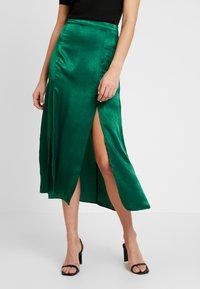 Topshop - PLAIN AUSTIN - Áčková sukně - green - 0