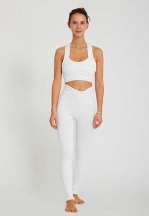 LAKSHMI - Medium support sports bra - white