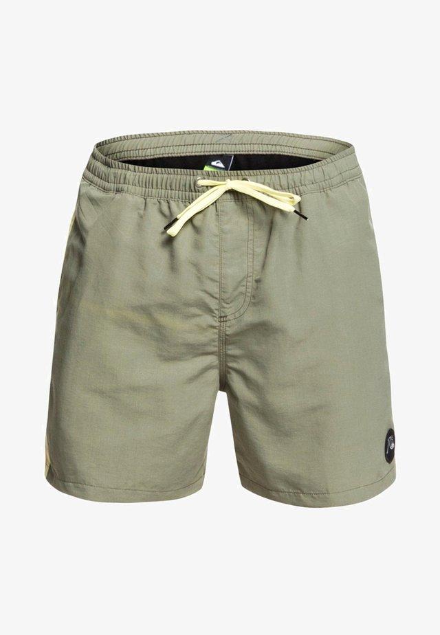 BPLEASEVLY JAMV BMM0 - Shorts da mare - green