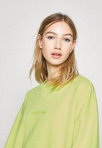 adidas Originals - Sweatshirt - neon green - 4