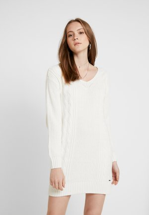 BACK DRESS - Strikkjoler - white