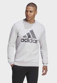 adidas Performance - BADGE OF SPORT FLEECE SWEATSHIRT - Sweatshirt - grey - 0