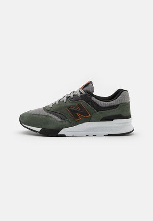 997 UNISEX - Baskets basses - olive/white