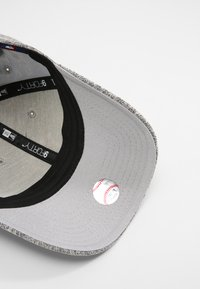 New Era - TECH 9FORTY - Cap - grey - 5