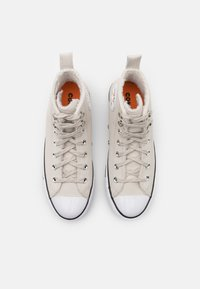 Converse - CHUCK TAYLOR ALL STAR MC WATER-RESISTANT - Zapatillas altas - light orewood brown/black/white - 5